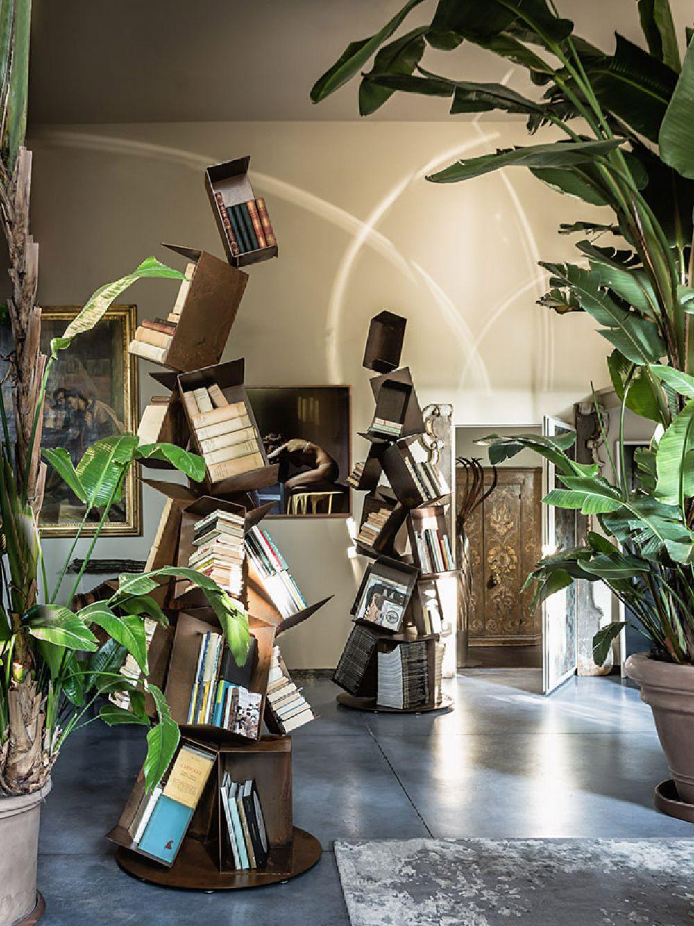 COLLAPSE Sculptural Bookcase : Iron - Rust finish