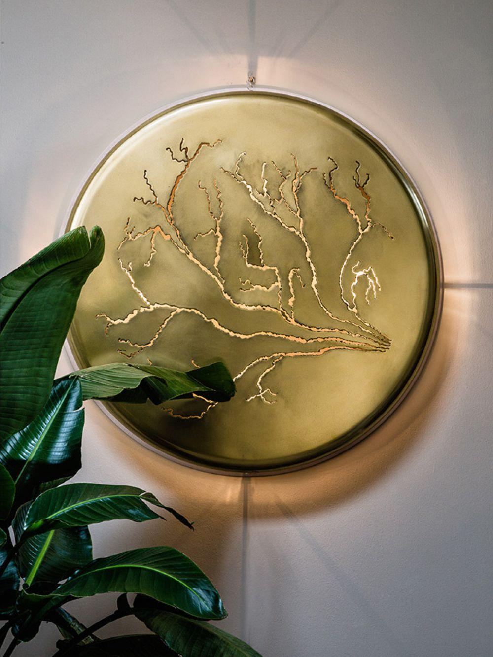 Sculptural wall installation LIGHTNINGS V - Aluminium and liquid brass