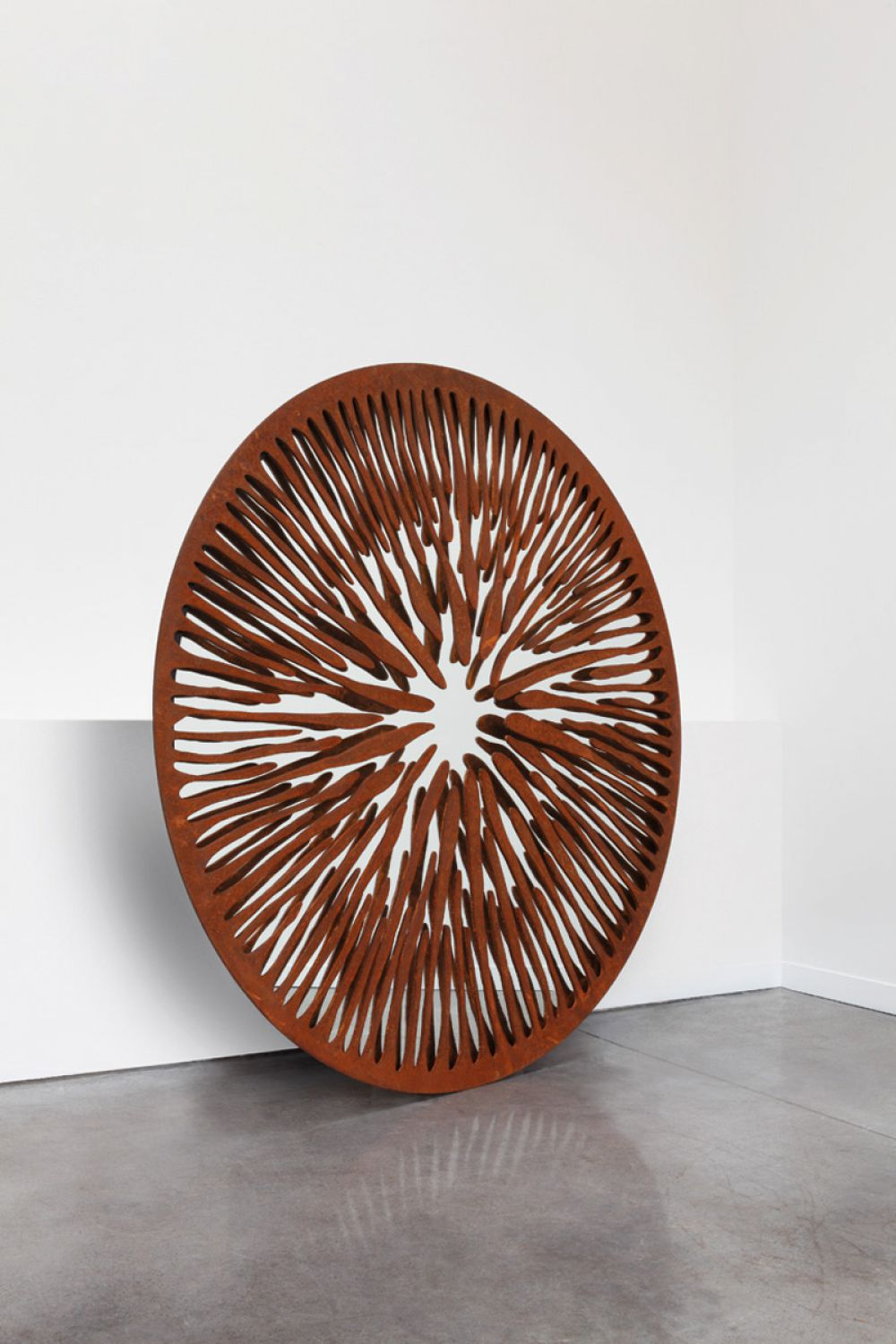 PUPIL I - Sculptural mirror : Iron Rusted