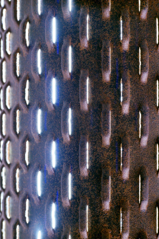 WASI Sculptural Lighting Detail : Iron
