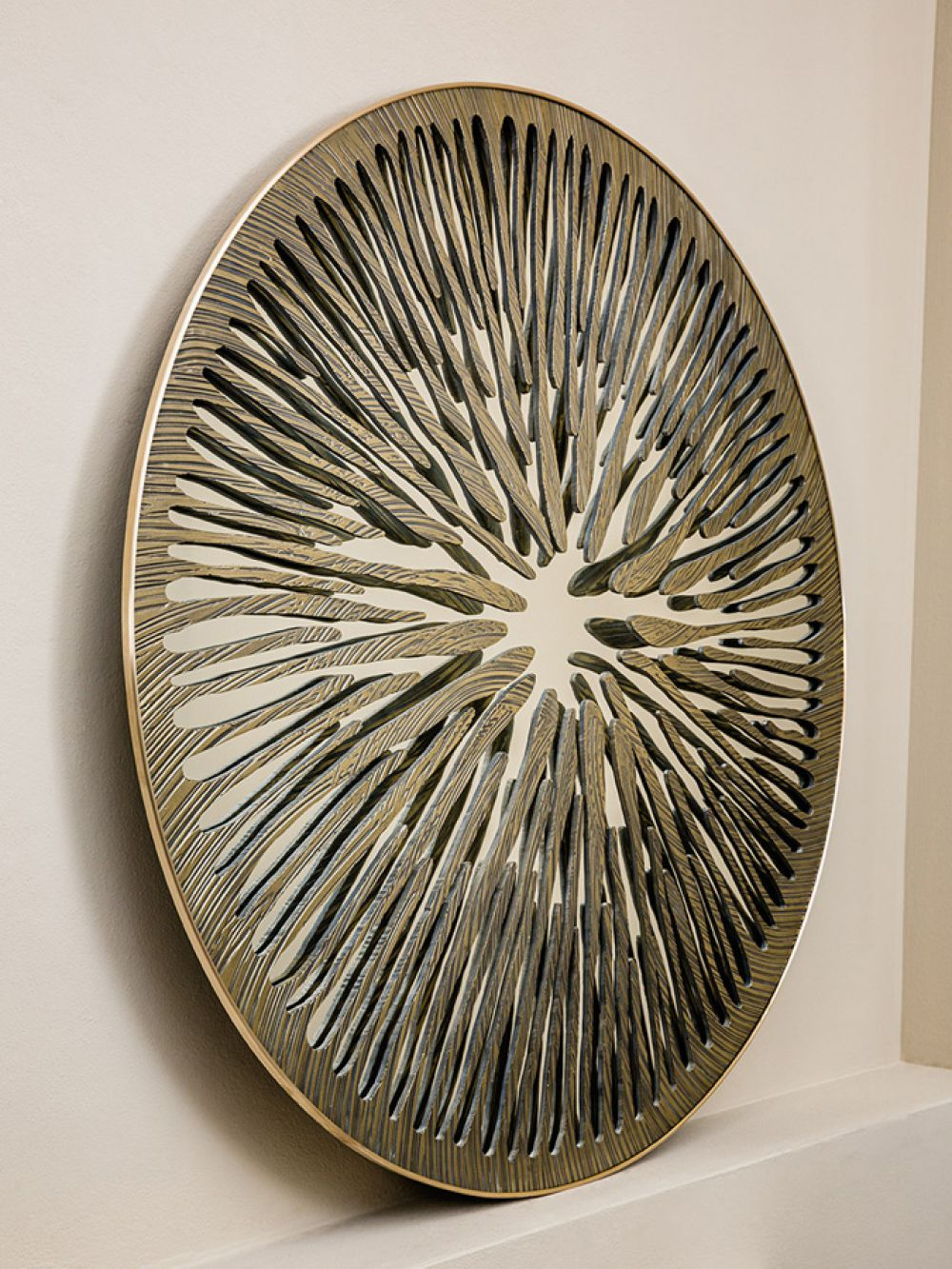 PUPIL VIII - Sculptural mirror : Aluminum  - Liquid Bronze - Brass - Cast bronze finish