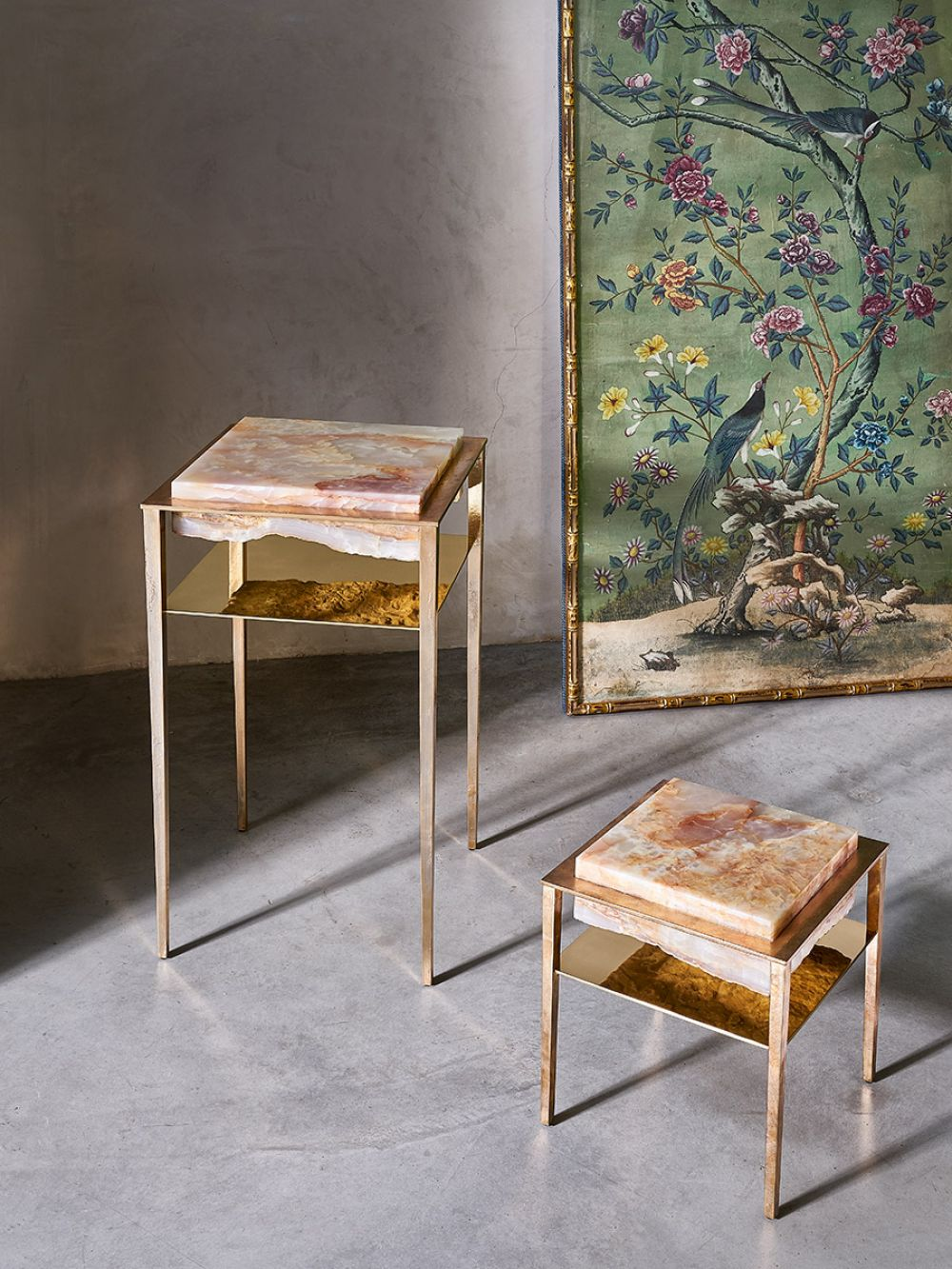 CREMINO ORANGE FLAKES - GUERIDON AND SIDE TABLE