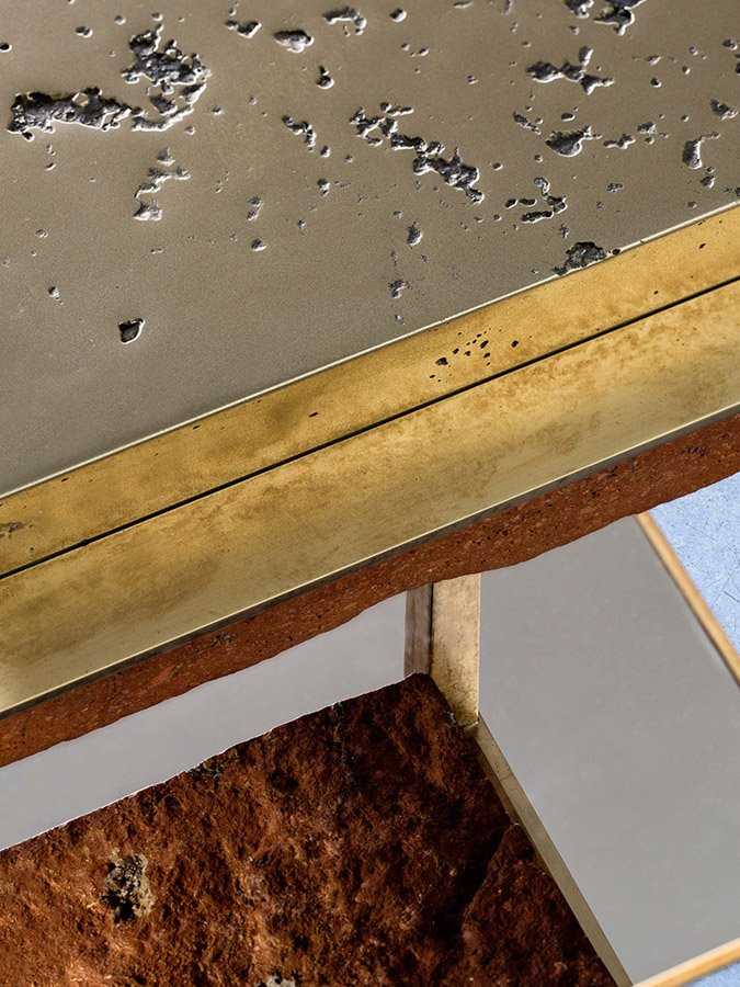 CREMINO I  DETAIL - Sculptural side table : Persian travertine - liquid brass - milled brass